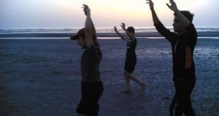 تمرین سنگنوردان در ساحل خلیج فارس بندر بوشهر